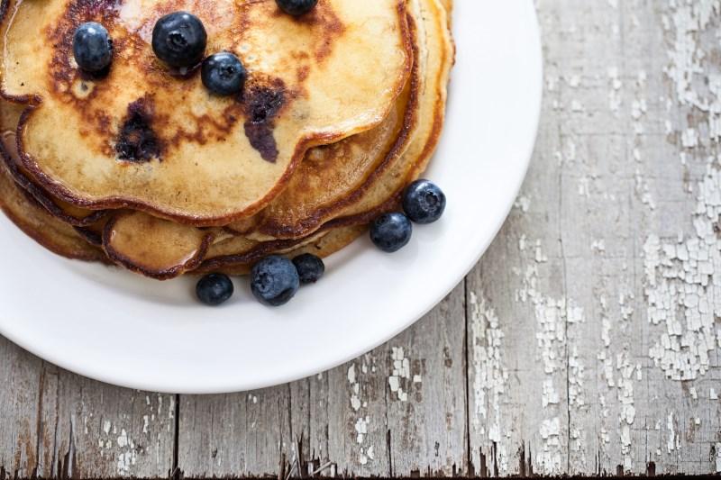 Blueberry Protein Pancakes Healthy - 17 EENVOUDIGE, GEZONDE ONTBIJTIDEEËN EN RECEPTEN