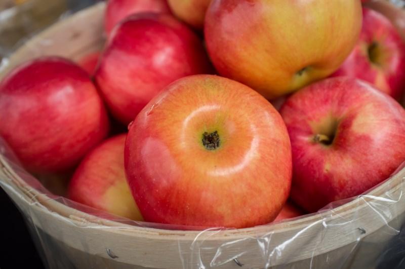 braeburn-apples