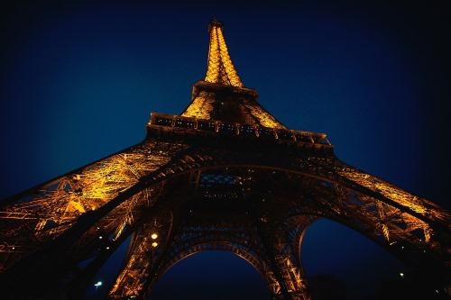 Eifeil tower landmark - 25 BEWEZEN GEZONDHEIDS VOORDELEN VAN REIZEN
