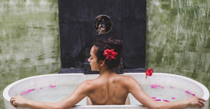 10 Surprising Benefits of Epsom Salt Bath - Well-Being Secrets