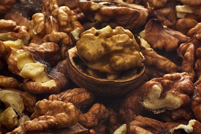 fighting-autoimmune-disorders-walnuts