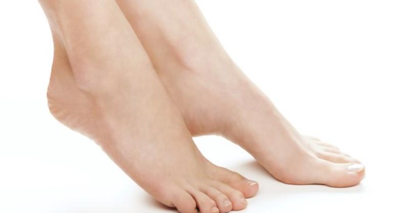 Home Remedies for Corns on Feet 800x416 - LIKDOORNS 11 EFFECTIEVE REMEDIES OORZAAK SYPMTONEN EN BEHANDELING NATUURLIJK GENEESMIDDEL