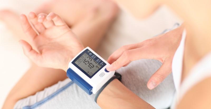 Home Remedies for High Blood Pressure 800x416 - HOGE BLOEDDRUK 11 NATUURLIJKE REMEDIES OORZAAK SYMPTONEN EN BEHANDELING