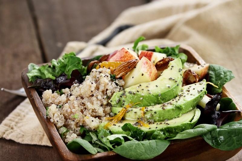 Hoe Quinoa meer in uw dieet op te nemen