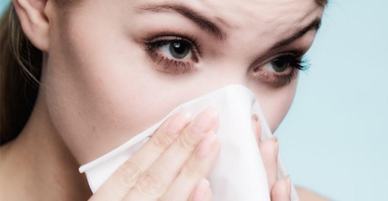 How to Get Rid of a Stuffy Nose Naturally 800x416 - HOE KOM JE SNEL VAN EEN VERSTOPTE NEUS AF MET DEZE 36 BEWEZEN MANIEREN