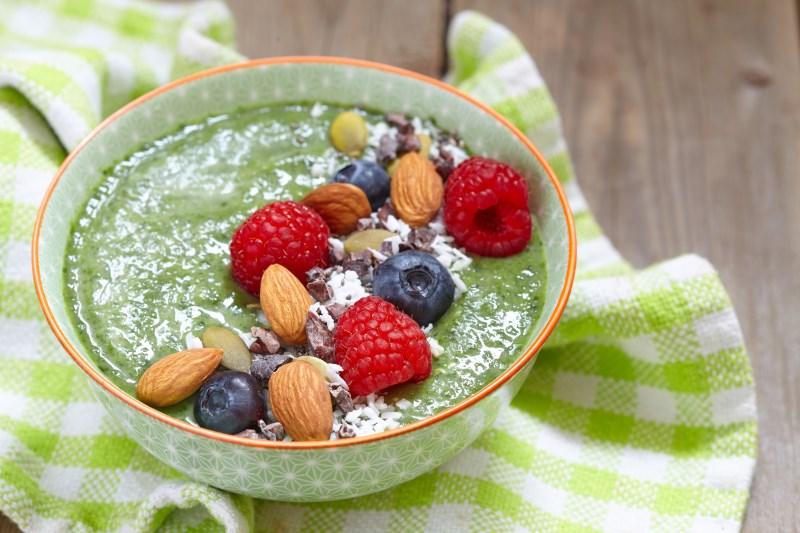 Smoothie Bowl for breakfast - 17 EENVOUDIGE, GEZONDE ONTBIJTIDEEËN EN RECEPTEN