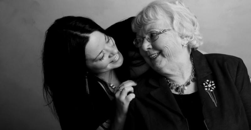 Taking Care of Aging Parents 800x416 - VERZORGEN VAN OUDER WORDENDE OUDERS: BELANGRIJKE DINGEN OM IN GEDACHTEN TE HOUDEN