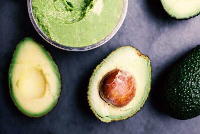 avocado-halved