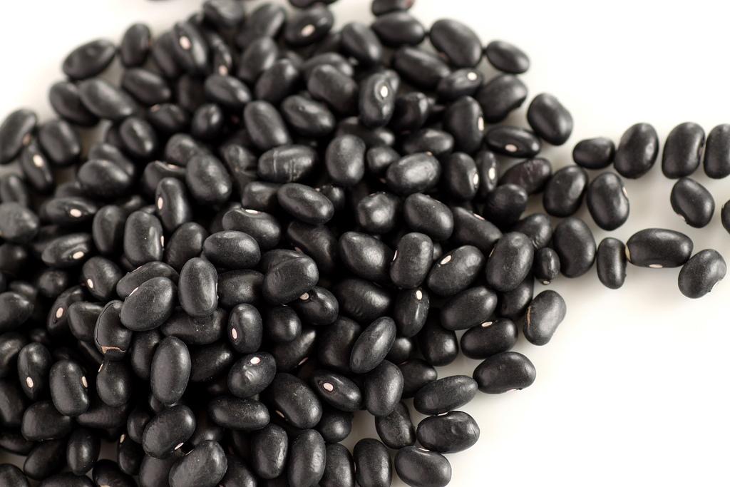 black beans nutrition image 2 - STOFWISSELING DE BESTE MANIEREN OM HET METABOLISME NATUURLIJK TE VERHOGEN
