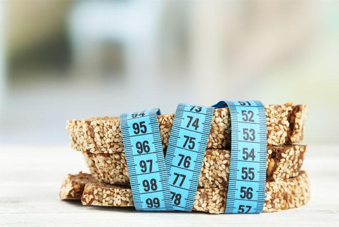 bread tape measure - HOEVEEL KOOLHYDRATEN MOET JE ETEN OM AF TE VALLEN?