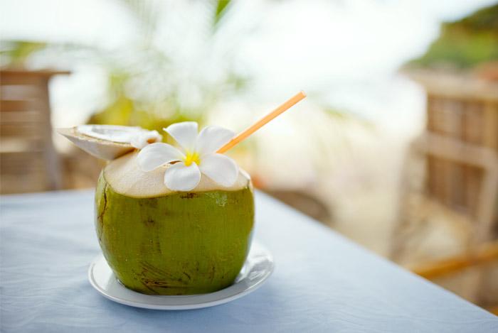 coconut-drink-straw