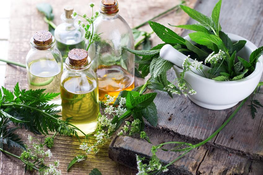 essentiële oliën voor het ontgiften van uw lichaam