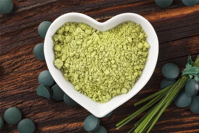 heart-shape-spirulina-powder