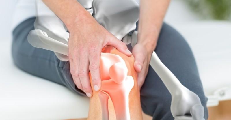 joint stiffness remedies 800x416 - GEWRICHT STIJFHEID 16 NATUURLIJKE REMEDIESTEGEN GEWRICHTSPIJN EN JICHT - WAAROM TREEDT GEWRICHTSSTIJFHEID OP?