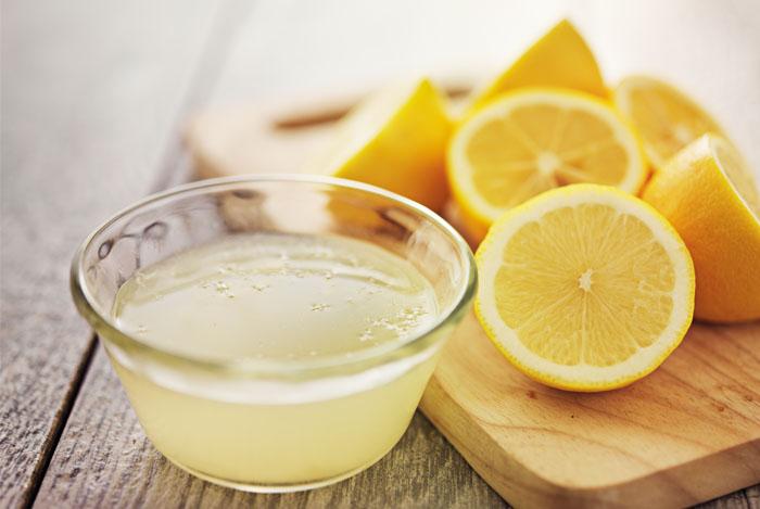 lemon juice in glass - CITROENWATER35 SUPERGEZONDE EIGENSCHAPPEN HOE GEZOND IS CITROEN WATER