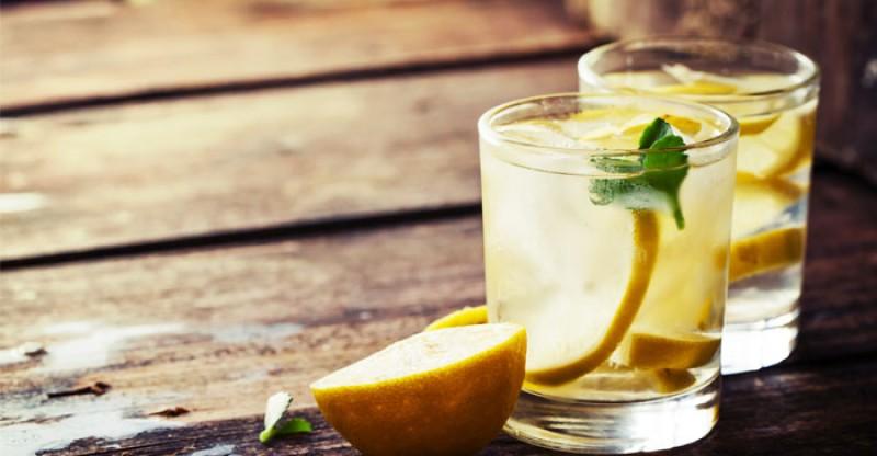lemon water benefits table 800x416 - CITROENWATER35 SUPERGEZONDE EIGENSCHAPPEN HOE GEZOND IS CITROEN WATER