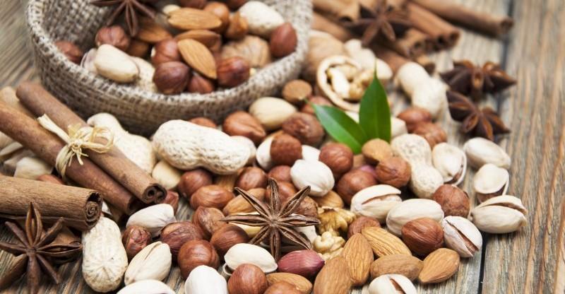 mixed nuts 800x416 - 7 VERRASSENDE NOTEN GEWELDIG VOOR GEWICHTSVERLIES