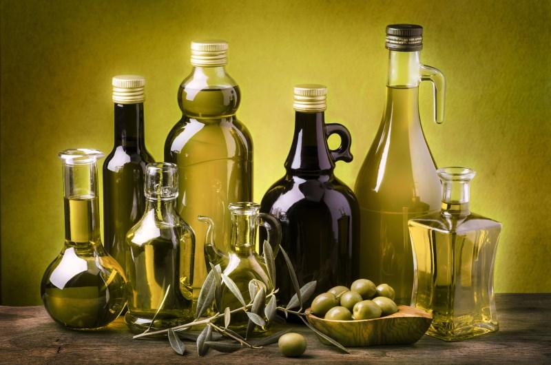 olijfolie is gezond voedsel met een hoog cholesterol- en vetgehalte