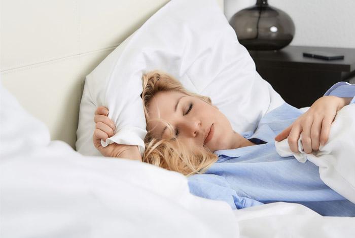 sleep-well-woman
