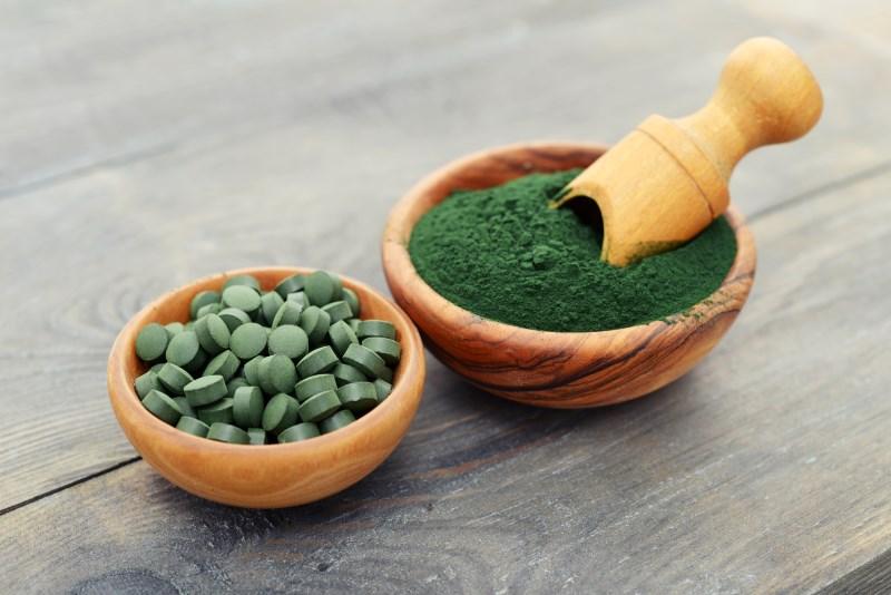 spirulina helps Manage Cholesterol