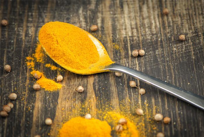 spoon-powder-tumeric