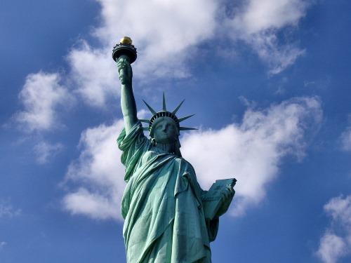 statue of liberty landmark - 25 BEWEZEN GEZONDHEIDS VOORDELEN VAN REIZEN