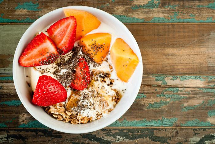 yogurt-fruit-chia-bowl-on-desk